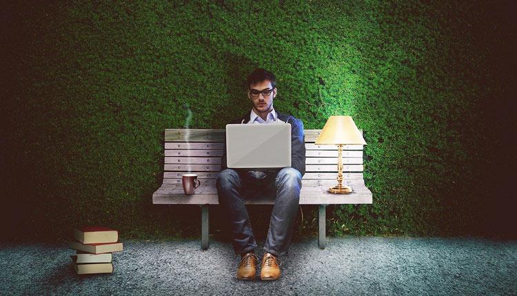ホームページ制作を依頼するならどっち? 制作会社とクラウドソーシングを徹底比較